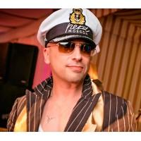 Дмитрий Нагиев как всегда превосходен, в яхтсменке, пошитой нашим ателье!