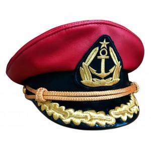 Капитанка красная кожа с вышивкой золотом Y305