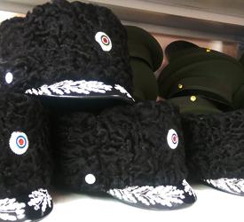 Зимние военные шапки и папахи